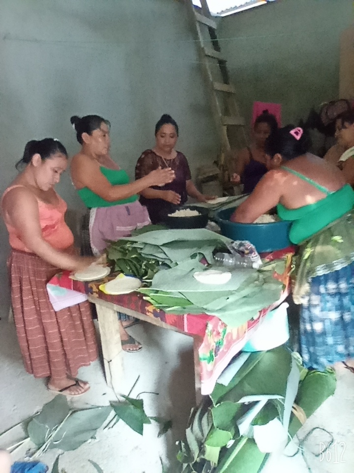 Voluntarias Quekchi AMMUDIS