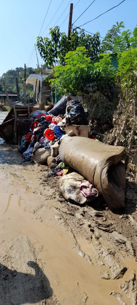 Decenas de familias afectadas por el Huracán ETA en Guatemala sin apoyo del Gobierno.